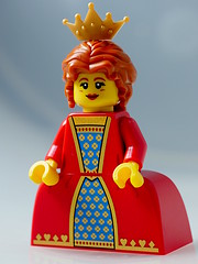 Queen (aktuaroslo) Tags: macro lego minifig 71011 leica45mm collectableminifigures lumixgh4