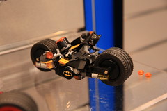 LEGO DC Comics 76053 Gotham City Cycle Chase 3 (hello_bricks) Tags: newyork toy dc lego dccomics toyfair hellobricks