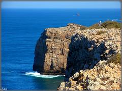 Cabo de San Vicente (Portugal) (sky_hlv) Tags: portugal faro mar cabo cliffs cape algarve atlanticocean acantilado golfo sagres acantilados cabodesanvicente capestvincent oceanoatlántico golfodecádiz gulfofcádiz