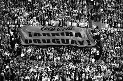 ARRIBA URUGUAY | Uruguay 1 - Peru 0 | 160329-9431-jikatu (jikatu) Tags: bw peru canon uruguay soccer estadio montevideo futbol eliminatorias centenario canon5dmkii jikatu rusia2018