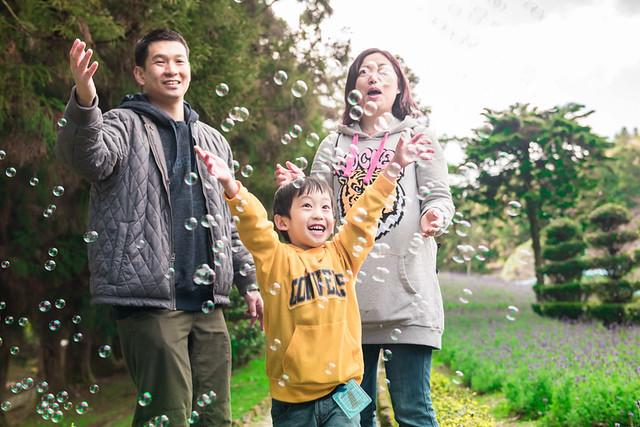 戶外親子攝影,全家福攝影推薦,兒童親子寫真,兒童攝影,南投清境攝影,紅帽子工作室,婚攝紅帽子,清境小瑞士攝影,清境農場親子,清境農場攝影,親子寫真,親子攝影,familyportraits,Redcap-Studio-39