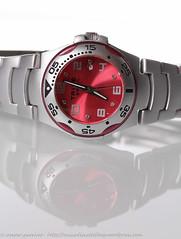 IMG_2870 (traccediscatti) Tags: life still data orologio ore tempo fucsia numeri minuti metallo accessori lancette secondi