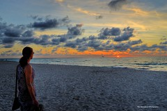 watching a sunrise 6:30am (Rex Montalban Photography) Tags: sunrise miami southbeach rexmontalbanphotography