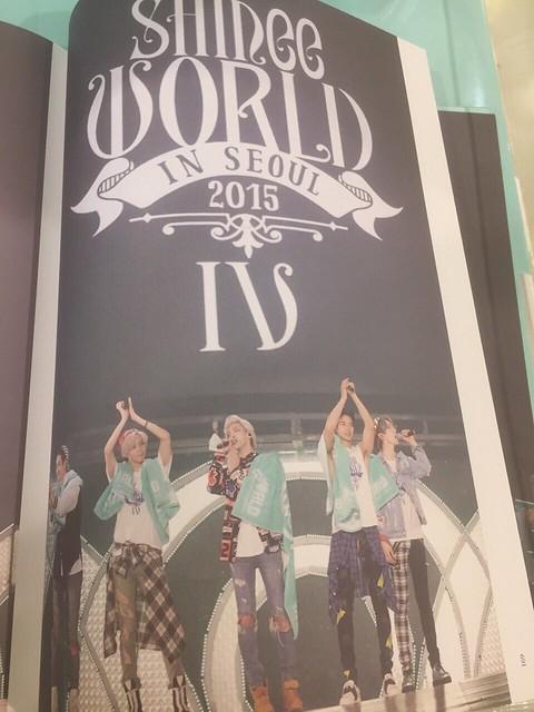 160421 SHINee @ Photobook SHINee World Concert IV 25964562204_ea30288c3b_z