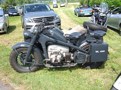 Zndapp KS750 -  Wehrmachtsgespann (John Steam) Tags: vintage germany bayern meeting motorbike ww2 motorcycle oldtimer sidecar motorrad beiwagen gespann zndapp zuendapp feldkirchen ks750 oldtimertreffen seitenwagen ainring wehrmachtsgespann wl426r