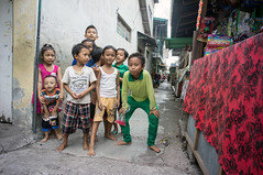 (kuuan) Tags: bali children mf manualfocus 15mm voigtlnder heliar superwideheliar aspherical singaraja f4515mm voigtlnderquot
