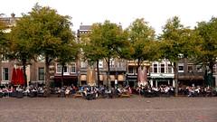 Let Us Take A Break (Eddy Allart) Tags: people terraces relaxing nederland denhaag plein terrazas terrassen