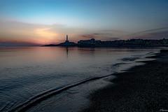 Sombra azul. (juliosabinagolf.) Tags: sunset costa luz agua nikon playa paisaje amanecer cielo nikkor cabodepalos lamangadelmarmenor mediterrneo d3300