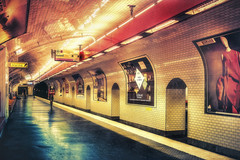 Paris, Metro Direction Balard (Luc Mercelis) Tags: blue light red paris france color yellow metro interior indoor frankrijk parijs metrostation topaz lafrance lightroom passagejouffroy claustrofobie textureeffects minoltaprimelens sonyslt77v minoltaprimelens24mm metrobalars