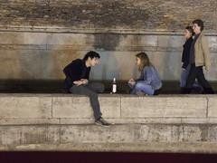 Young in Paris (Lex Eggink) Tags: paris seine river wine young conversation embankment banks inlove ros roswine