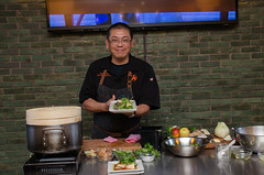 Chef Alex Ong 4/19-4/20/16 (UMassDining) Tags: food cooking alex demo salad chef presentation guest ong berk