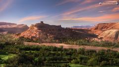 At Benhaddou in sinking sun (dieLeuchtturms) Tags: wallpaper panorama dessert morocco maroc atlas afrika wadi marokko goldenhour ksar wste eveninglight kasbah 16x9 abendlicht atbenhaddou hoheratlas goldenestunde soussmassadra