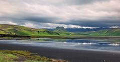 Low tide (louise peters) Tags: sky mountains grass clouds iceland tide wolken gras lowtide bergen eb gebergte ebbtide wolkenlucht laagwater sudurland binnenzee dyrhlavegur randzee