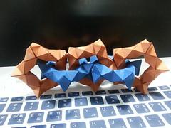 Pentagonal torus chain (hyunrang) Tags: origami twist chain torus pentagon hur