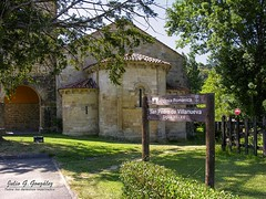 Abside de la Iglesia Romnica de San Pedro de Villanueva (Julio G.Gonzlez) Tags: espaa spain asturias villanueva cangasdeons