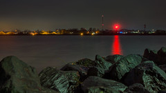 Red light (Stefan Sellmer) Tags: seascape de deutschland lights rocks kiel schleswigholstein longtimeexposure holtenau balticcoast germanykiel