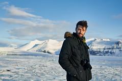 Sergio (Leo Hernn) Tags: winter portrait snow closeup 35mm coast iceland bokeh south lagoon east mm nikkor 35 glaciar icebergs