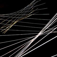Suspendues (zventure, off/on) Tags: abstract gold nice noir dessin exposition lignes intrieur carr abstrait dor alpesmaritimes fondnoir hautelumire