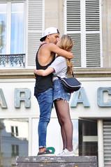 LM_20150919_0032 (Laurne Mercier) Tags: love kiss couple amour baiser personnage technoparade bisous