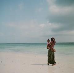 * (fangchun15) Tags: africa blue people 120 6x6 film beach tanzania zanzibar yashica roundtheworld yashicamat124g paje