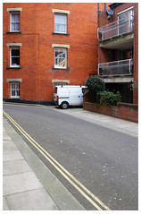 Siddons Lane (mäkelä) Tags: road street city windows england urban white building london apartments sidewalk van emptiness redbrick marylebone