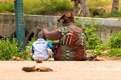 Maman (sidcamelot) Tags: children femme mother maman ci enfant madre tendresse ctedivoire afrique sudcomo