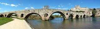 Le Pont Vieux et la Cathédrale St Nazaire
