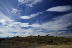 Rocky horizon, lively clouds, Nevis Valley, NZ (jozioau) Tags: rocks monoliths outcrops variosonnart282470