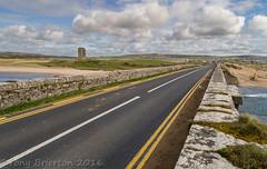 Dough Castle. (Tony Brierton) Tags: bridge castle coast westcoast lahinch 5416 wildatlanticway