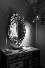 En la intimidad (Jo March11) Tags: blancoynegro luz portugal canon monocromo lisboa interior sintra espejo reflejo canoneos dormitorio tocador monocromtico palaciodapena palacionacionaldapena realeza ieletxigerra idoiaeletxigerra eletxigerra