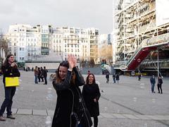 _4080756 (karlogd) Tags: city paris france wet girl smile pen fun spring play olympus shampoo bubble 1442mm mzuiko epl6