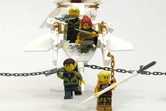 ESR F landing 4 (Jeddy and Daddy) Tags: lego eagle battle elf eagles ballista orcs greenskin armies legoideas highelf fantasyera castletheme skychariot castleera skyreamer