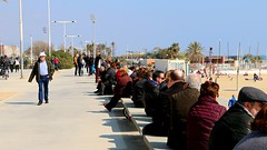 Mar_0506 (Joanbrebo) Tags: barcelona people beach gente playa gent platja poblenou autofocus lunaphoto efs18135mmf3556is canoneos70d
