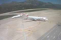 Volotea Boeing 717 EI-FCB Austrian Airlines Airbus A321 OE-LBB Dubrovnik Airport webcam capture (AirportWebcams.net) Tags: webcam airport airbus boeing capture airlines 717 dubrovnik austrian a321 dbv lddu oelbb volotea eifcb