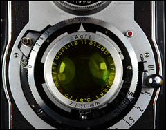 KWT Reflekta II on Display (05) (Hans Kerensky) Tags: tlr yellow lens size filter ii hood agfa 35 75mm 30mm kwt welta trioplan pushon reflekta