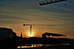 ondergaande zon centrum vlissingen (Omroep Zeeland) Tags: zeeland centrum zon vlissingen stad walcheren onderaande