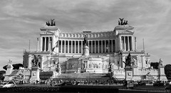 I hear countless voices from the past (lunaryuna) Tags: bw italy rome history monochrome architecture blackwhite pride lunaryuna urbanconstructs homourbe testimonialofthepast lookhereweare ilvittorianoaltaredellapatria