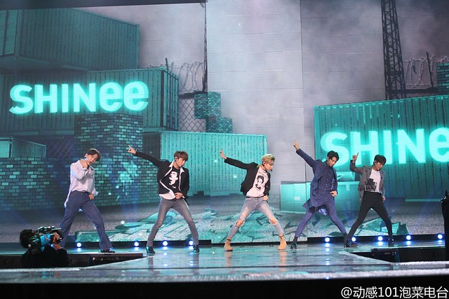 160328 ‎SHINee @ '23rd East Billboard Music Awards' 25523378493_beacd33731_z