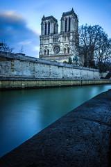 IMG_1627 (benoitcollet37) Tags: paris pose notredame quaideseine longue
