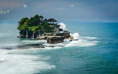 Tanah Lot, Bali (RobertTraceyJr) Tags: ocean travel bali beach nature rock indonesia temple coast nikon asia southeastasia backpack lightroom nikonphotography travelstoke