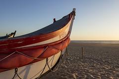 Barcas en Nazar (Jo March11) Tags: color luz portugal canon mar barca pesca canoneos leiria horizonte nazar pescadores ieletxigerra idoiaeletxigerra eletxigerra