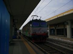 Invio E652.019 a Lingotto FS (simone.dibiase) Tags: 2 train italia trains cargo per treno due 019 stato trenitalia inversione sosta italiane lingotto treni dello ferrovie binario e652 invio cargoitalia