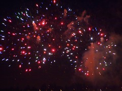 Fireworks 20140704 (caligula1995) Tags: clouds oregon portland fireworks columbiariver 2014 jantzenbeach