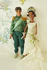 the newlyweds ^-^ (girl enchanted) Tags: film movie couple ds disney disneystore princessandthefrog tianadoll naveendoll theprincessandthefrogdollset