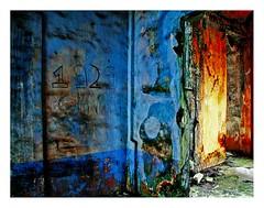 murs de Grand Bassam (5) (Marie Hacene) Tags: africa orange bleu mur ctedivoire afrique grandbassam maisoncoloniale