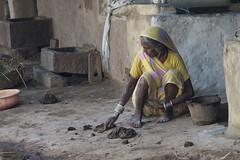 Gond village - Kawardha - Chhattisgarh - India (wietsej) Tags: woman india rural village minolta sony tribal 100 mm gond chhattisgarh kawardha a77ii