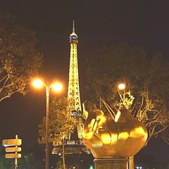 Flamme de la Libert (scot_fin) Tags: travel paris latoureiffel