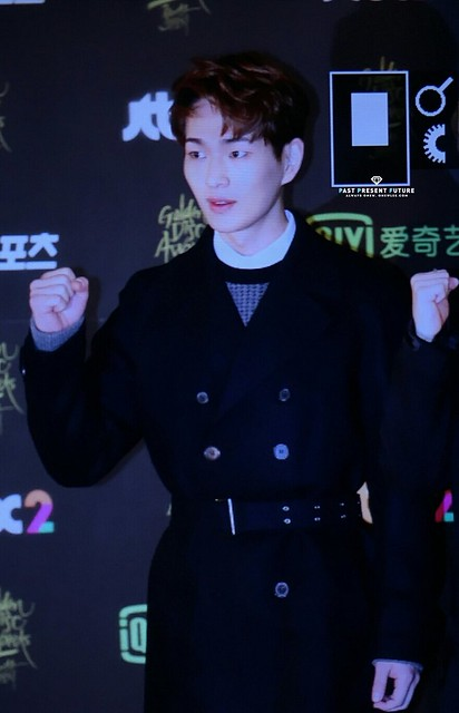 160121 Onew @ Golden Disc Awards 24517159166_3a257cee37_z