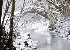 Alte Natursteinbrcke (Johannes Roser) Tags: bridge schnee winter lake snow bach brcke fluss naturalstone maihingen