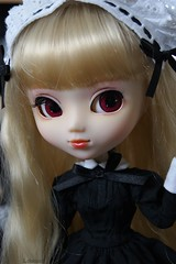 Shy girl (Sarah Boude) Tags: doll stock planning pullip custom maid jun poupe rewigged stica